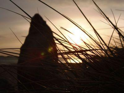 Coucher de soleil et menhirs