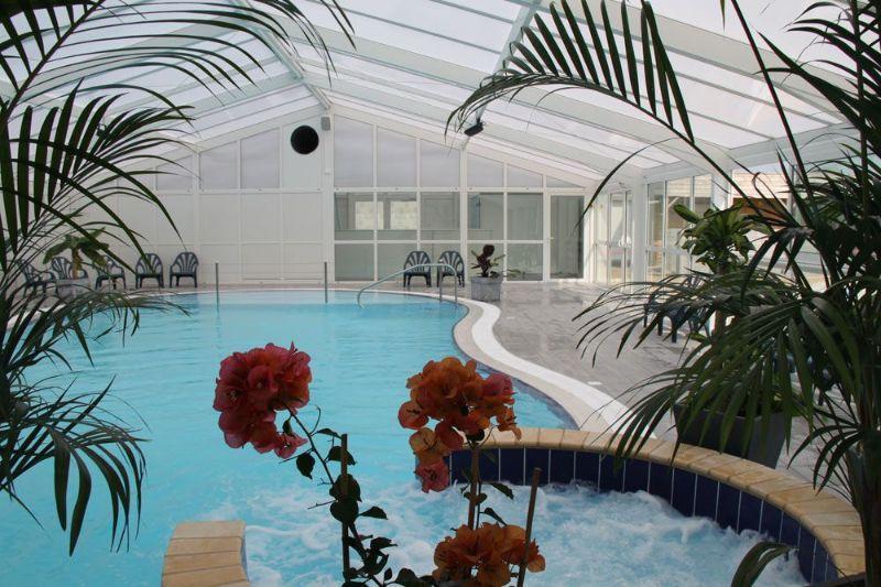 Camping morbihan espace aquatique la croez villieu for Camping quiberon piscine couverte
